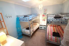 Twin bunkbed room